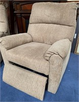 793 - BEAUTIFUL PAIR OF ELECTRIC RECLINING CHAIRS