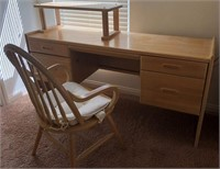 795 - SOLID WOOD DESK & CHAIR