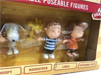 34 - THE PEANUTS COLLECTION OF BENDABLE FIGURES