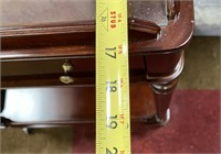 76 - BEAUTIFUL WOODEN ACCENT TABLE W/ GLASS TOP
