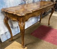 793 - BEAUTIFUL SOFA TABLE