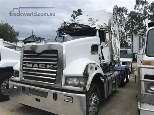 2012 Mack Trident - Wrecking for Sale