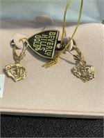 14 karat gold pair of earrings