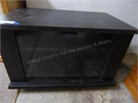 Furniture & Collectibles Online Only