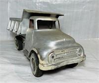 Tonka Toys Dump Truck, lift and dump levers work,