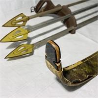 Bear Recurve Bow w/ 3 arrows, Bear Broadheads,