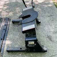 Draw Tite 5th wheel Hitch w/ Rails