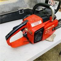 Homelite 330 Chainsaw w/case, looks nice
