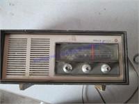 RADIO & CLOCK