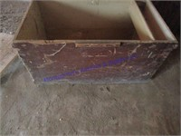 CARPENTER'S WOOD TOOL BOX