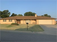 Clinton OK Home for Sale, 3 bed, 2 bath, 20 Redbud Way