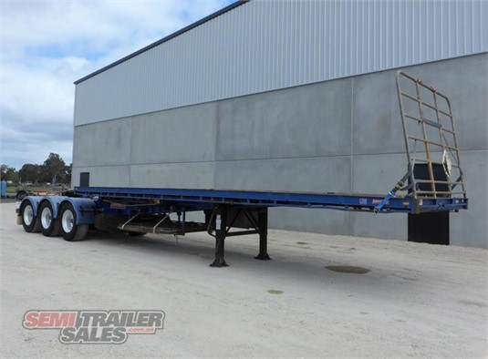 2008 Barker Flat Top Trailer - Trailers for Sale