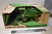 ERTL Collectors Edition 1/28 Scale John Deere