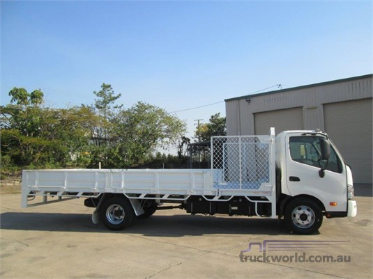 2014 Hino 300 Series 917 - Trucks for Sale