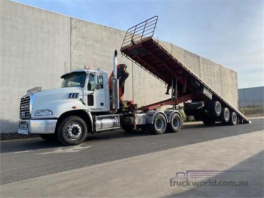 2010 Mack CMMT - Trucks for Sale