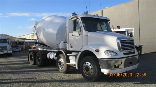 2014 Freightliner other - Trucks for Sale