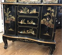 47 - BEAUTIFUL DETAILED ORIENTAL CHINA  HUTCH