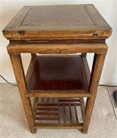 48 - NEAT LITTLE ACCENT TABLE
