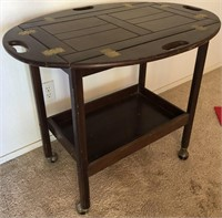 47 - NEAT BEVERAGE CART FOLDS OUT TO A SIDE TABLE
