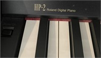 48 - HP2 ROLAND DIGITAL PIANO WITH BENCH