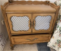 48 - NICE BEDROOM SET WITH ARMOIRE