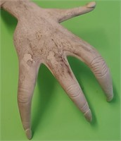 D - ANTIQUE HAND CARVED HAND MADE OF ANTLER
