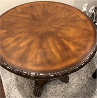56 - BEAUTIFUL ROUND ACCENT TABLE