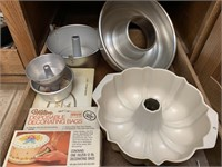 Assorted cake pans
