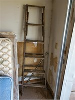 Werner 6'  Wood Ladder