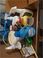 MISCELLANOUS BOX OF CLEANING SUPPLIES