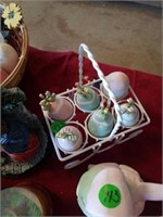 MISCELLANOUS EASTER DECORATIONS AND LITTLE