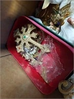APPROXIMATELY 30 TREE ORNAMENTS , SOME GLASS,