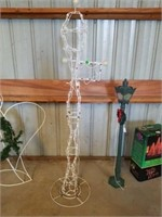 "72"" HIGH LIGHTED LAMP POST, METAL FRAME"