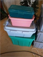 7 TOTES, DIFFERENT SIZES