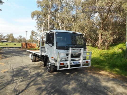2003 UD MK245 - Trucks for Sale
