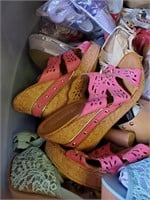 169 - TOTE FULL OF NEW LADIES SHOES