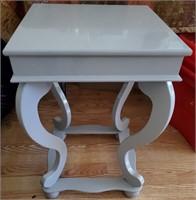 169 - PRISTINE WHITE ACCENT TABLE