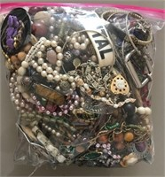 169 - BAG OF COSTUME JEWELRY (D) 5.1 LBS