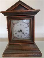 169 - UNIQUE TABLE CLOCK