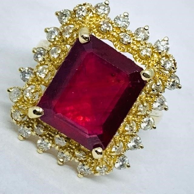 14KT YELLOW GOLD 5.64CTS RUBY AND .50CTS DIA.