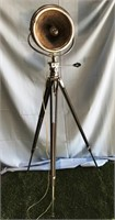 VINTAGE INDUSTRIAL CUSTOM LAMP WITH TRIPOD STAND