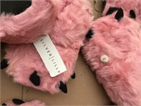 169 - 6 PAIRS OF PINK BEAR CLAWS SLIPPERS