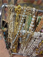 169 - LOT OF BEADED NECKLACES - SEE PICS