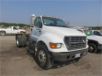 (DMV) 2000 Ford F-650 Super Duty Cab & Chassis