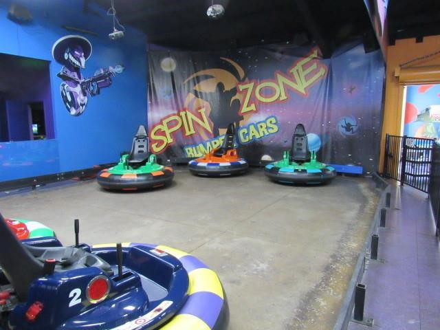 Spin Zone Bumper Car Attraction: Six Cars, Charge