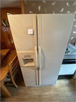"35"" w 69"" tall  Kenmore Refridgerator works great"