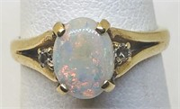 14KT YELLOW GOLD OPAL & DIAMOND RING 2.20 GRS