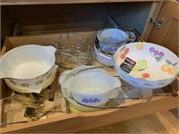 Large Lot of Miscellaneous Kitchenwares