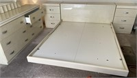 55 - MADE IN ITALY WHITE BEDROOM SET