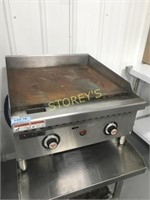 "Vulcan 24"" Thermostatic Flat Top Gas Griddle"